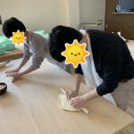 さぬき麺業でうどん作り体験~手の平返しの生徒達~【高松市松並町】